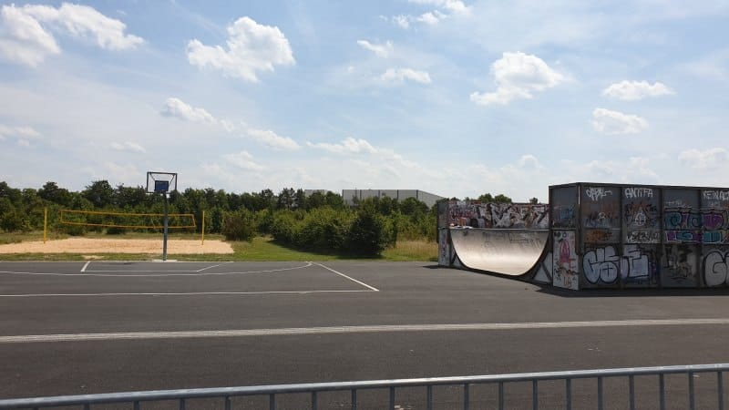 funpark neubiberg beachvolleyball half pipe