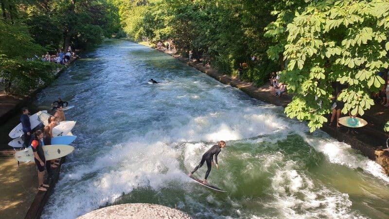 wohnung schwabing englischer garten eisbach surfer