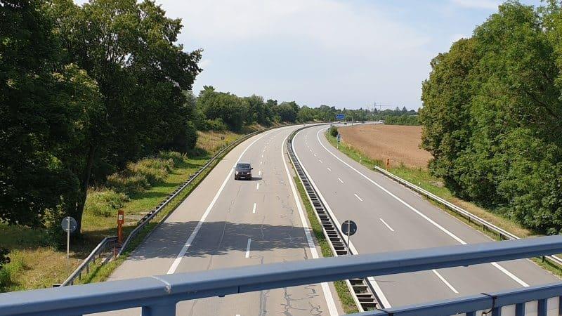 Autobahn unterhaching Grundstücke