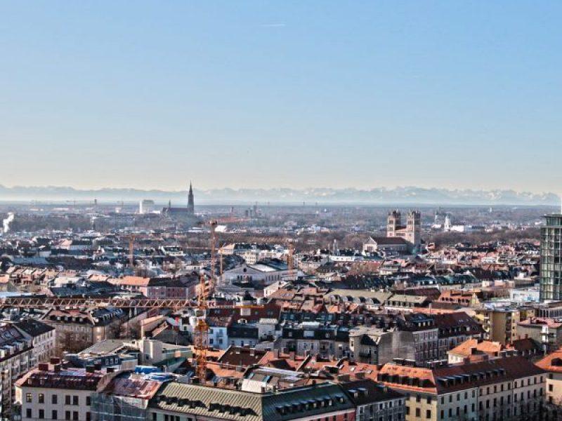 Immobilienverkauf mit Panorama von München