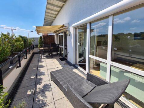 Traumhafte Dachterrassenwohnung in idealer Lage in Neubiberg (Nähe S-Bahn), 85579 Neubiberg, Penthousewohnung
